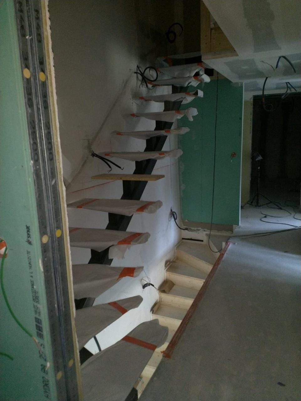 40 Escalier acier bois Morzine