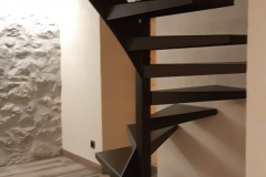 41 Escalier acier sur mesure 74